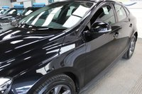 USED 2015 65 VOLVO V40 1.6 D2 CROSS COUNTRY LUX 5d 113 BHP