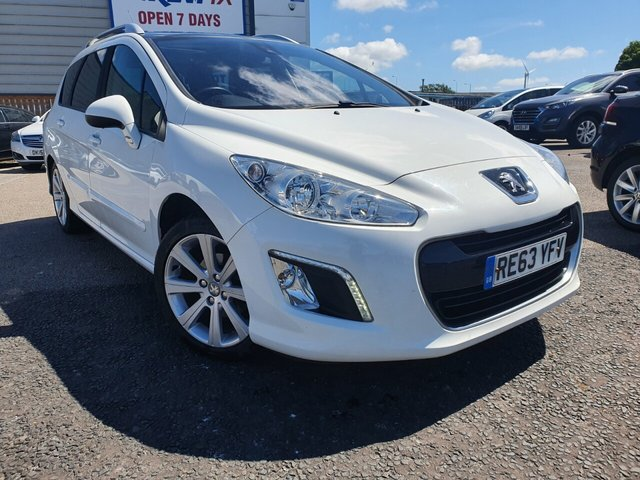 USED 2014 63 PEUGEOT 308 SW 1.6 E-HDI SW ACTIVE NAVIGATION VERSION 5d 115 BHP *** FINANCE & PART EXCHANGE WELCOME *** 1 OWNER FROM NEW SAT/NAV PANORAMIC ROOF BLUETOOTH PHONE AIR/CON CRUISE CONTROL PARKING SENSORS PRIVACY GLASS