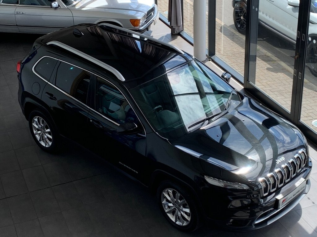 USED 2015 65 JEEP CHEROKEE 2015/65 + 2.0 M-JET LIMITED 5d 138 BHP + SAT NAV + CRUISE + B/TOOTH + BLACK LEATHER +