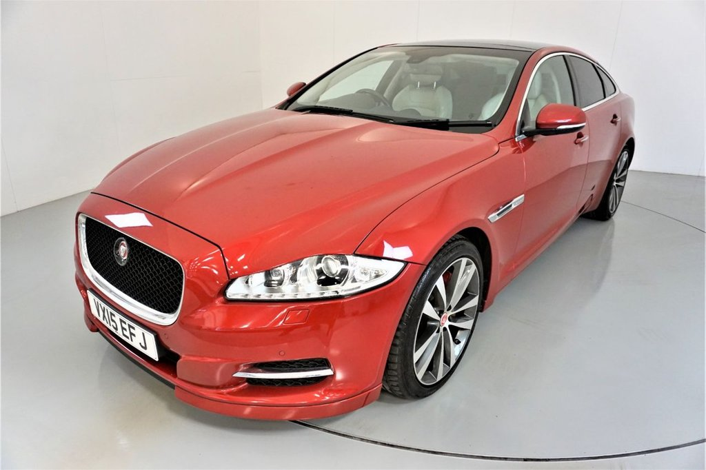 USED 2015 15 JAGUAR XJ 3.0 D V6 PORTFOLIO 4d-2 OWNER CAR-SUNROOF-MERIDIAN SOUND-HEATED AND COOLED FRONT AND REAR SEATS-HEATED STEERING WHEEL-LEATHER UPHOLSTERY-BLUETOOTH-CRUISE CONTROL-SATNAV-PARKING SENSORS-REVERSE CAMERA-DAB RADIO-ELECTRIC MEMORY SEAT-ELECTRIC FOLDING MIRRORS-CLIMATE CONTROL