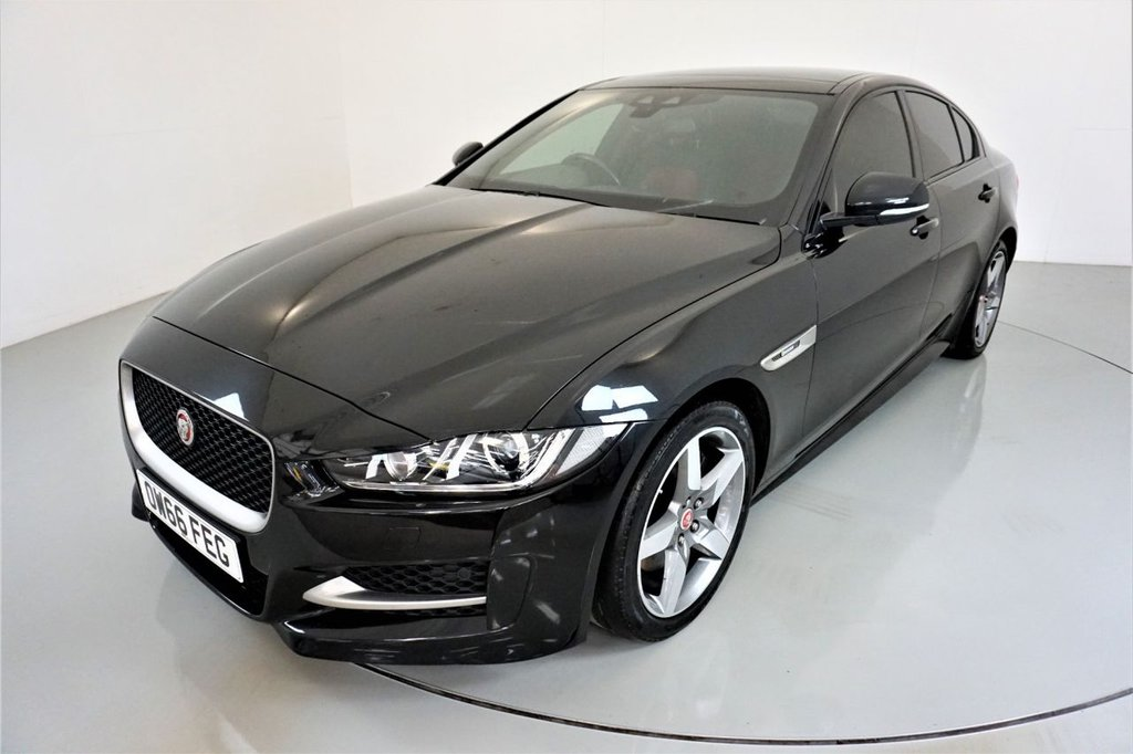 USED 2017 66 JAGUAR XE 2.0 R-SPORT 4d-PANORAMIC SUNROOF-HEATED RED AND BLACK LEATHER UPHOLSTERY-BLUETOOTH-CRUISE CONTROL-SATNAV-PARKING SENSORS-REVERSE CAMERA-DAB RADIO-CLIMATE CONTROL
