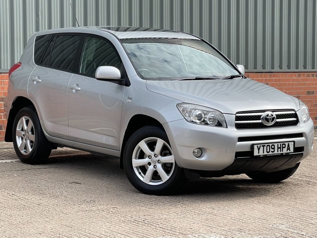 USED 2009 09 TOYOTA RAV4 2.2 XT-R D-4D  5d 135 BHP EXCELLENT CONDITION AND FANTASTIC VALUE 4X4