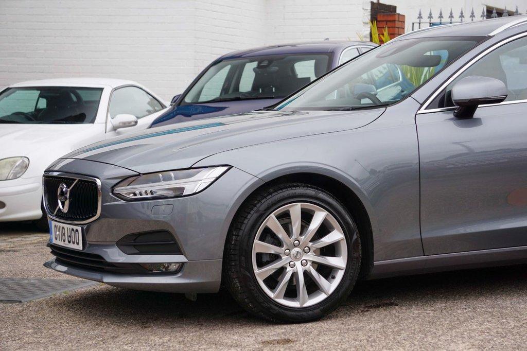 USED 2018 18 VOLVO V90 2.0L D4 MOMENTUM 5d AUTO 188 BHP