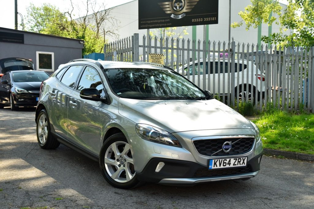 USED 2015 64 VOLVO V40 2.0 D4 CROSS COUNTRY LUX NAV 5d 188 BHP