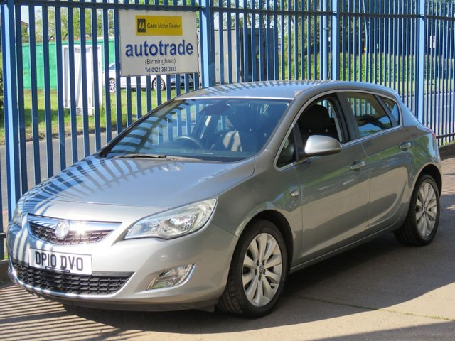 USED 2010 10 VAUXHALL ASTRA 1.6 SE 5d 113 BHP. AIR CON-ALLOYS-CRUISE CONTROL-SERVICE HISTORY WITH 9 STAMPS AIR CON-CD RADIO-PART LEATHER-SERVICE HISTORY INC 9 STAMPS-ALARM