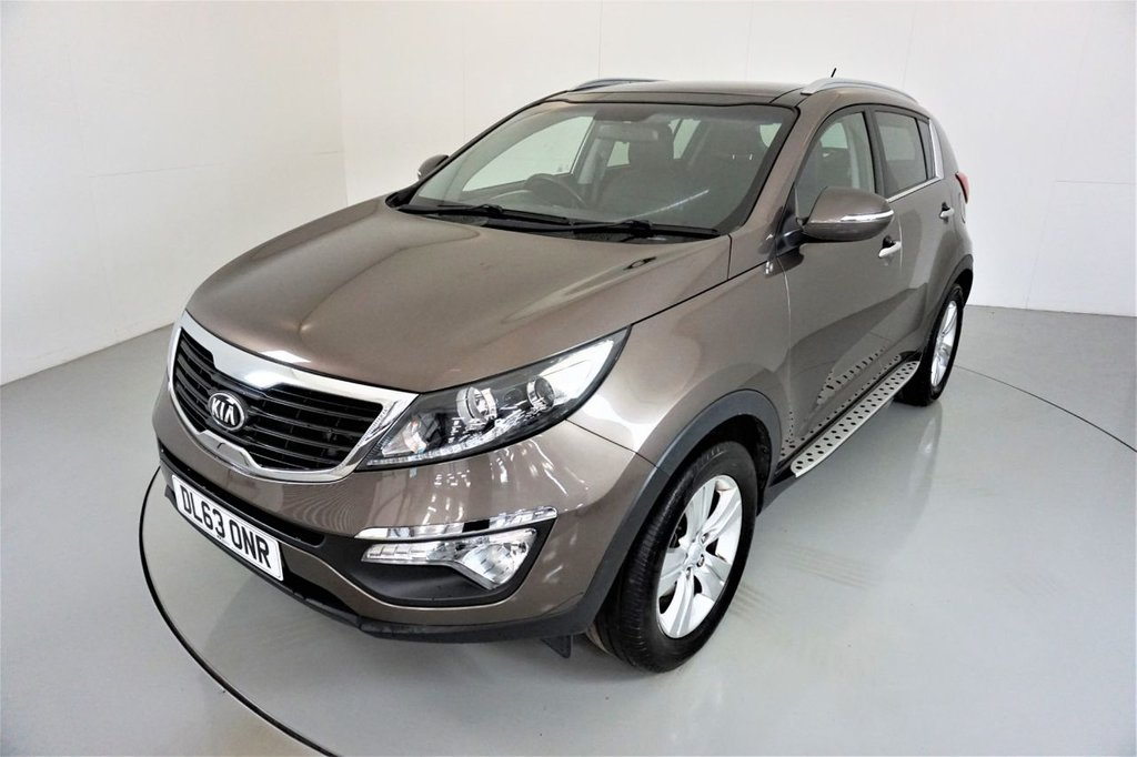 USED 2014 63 KIA SPORTAGE 1.7 CRDI 2 5d-2 OWNER CAR-PANORAMIC ROOF-HALF LEATHER UPHOLSTERY-BLUETOOTH-CRUISE CONTROL-REAR PARKING SENSORS-AIR CON