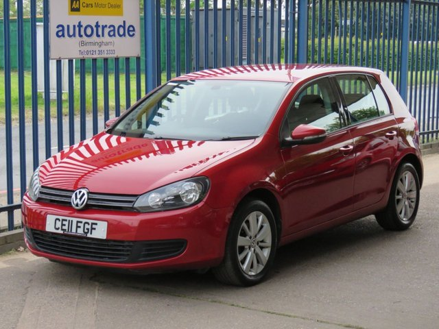 USED 2011 11 VOLKSWAGEN GOLF 1.6 MATCH TDI DSG 5d 103 BHP. DSG AUTOMATIC GEARBOX-FRONT AND REAR PARKING SENSORS-DAB RADIO-BLUETOOTH-CRUISE FRONT AND REAR PARK ASSIST-DAB-AIR CON-CRUISE-ABS-BLUETOOTH-ALLOYS
