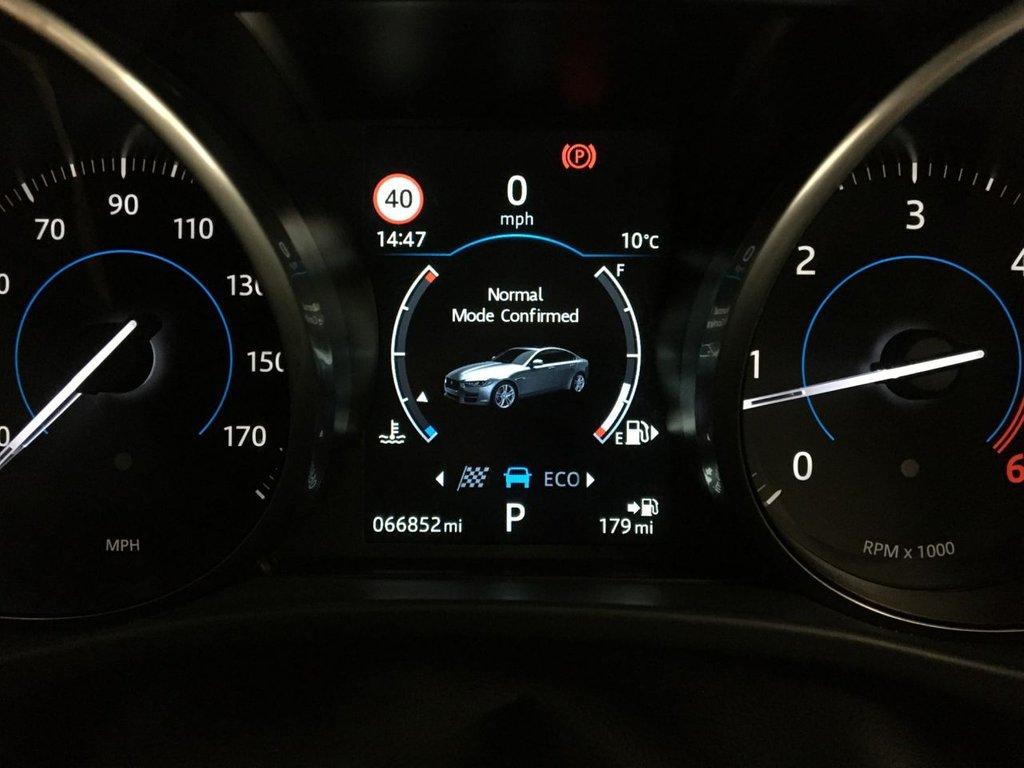 USED 2017 17 JAGUAR XE 2.0 R-SPORT 4d 178 BHP