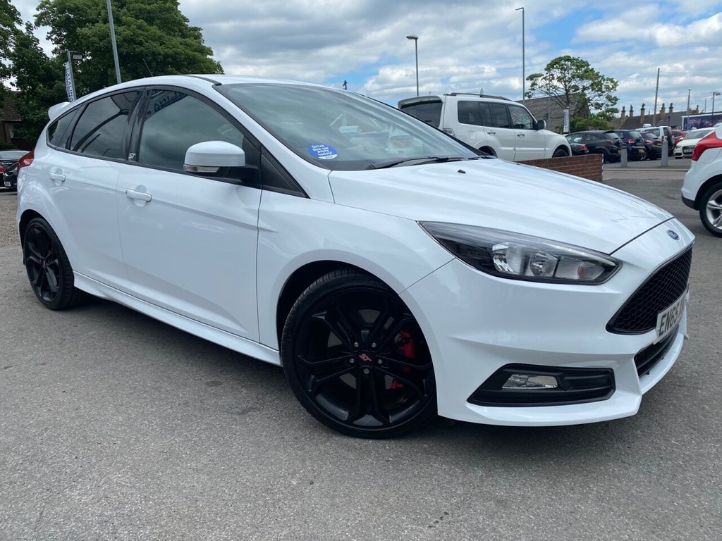 USED 2016 65 FORD FOCUS 2.0 ST-2 5d 247 BHP
