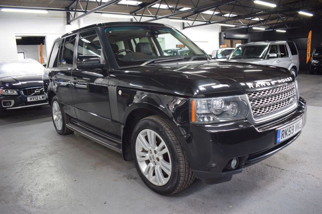 USED 2009 59 LAND ROVER RANGE ROVER 3.6 TDV8 VOGUE SE 5d 271 BHP LOVELY CONDITION - 3.6 TDV8 VOGUE SE - FACTORY REAR ENTERTAINMENT - SIDE STEPS - PRIVACY GLASS - HEATED / COOLED SEATS