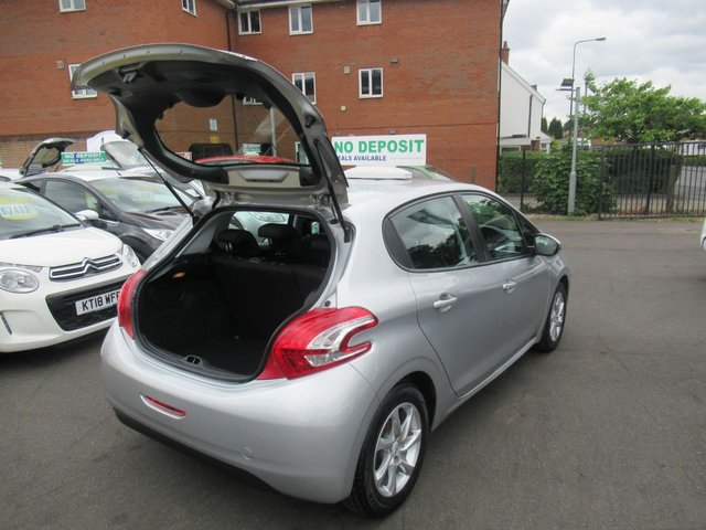 USED 2013 13 PEUGEOT 208 1.2 ACTIVE 5d 82 BHP ** TEST DRIVE TODAY !! **