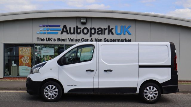 USED 2017 17 RENAULT TRAFIC 1.6 SL29 BUSINESS ENERGY DCI 125 BHP LOW DEPOSIT OR NO DEPOSIT FINANCE AVAILABLE . COMES USABILITY INSPECTED WITH 30 DAYS USABILITY WARRANTY + LOW COST 12 MONTHS ESSENTIALS WARRANTY AVAILABLE FROM ONLY £199 (VANS AND 4X4 £299) DETAILS ON REQUEST. ALWAYS DRIVING DOWN PRICES . BUY WITH CONFIDENCE . OVER 1000 GENUINE GREAT REVIEWS OVER ALL PLATFORMS FROM GOOD HONEST CUSTOMERS YOU CAN TRUST .