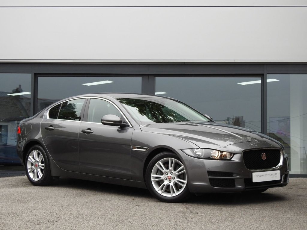 USED 2017 17 JAGUAR XE 2.0 PRESTIGE 4d 178 BHP This Beautiful Example comes with A Lovely Specification and Jaguar Service History...