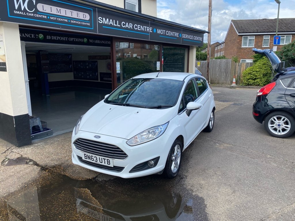 USED 2013 63 FORD FIESTA 1.0 ZETEC 5d 99 BHP BLUETOOTH - USB - DAB - AUX - AIRCON - ALLOYS - HEATED FRONT SCREEN
