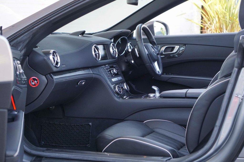 USED 2013 63 MERCEDES-BENZ SL 3.5 SL350 AMG SPORT 2d 306 BHP