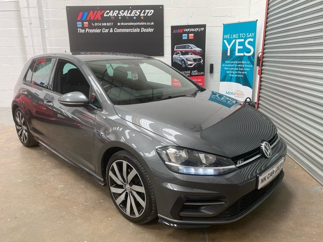 USED 2017 17 VOLKSWAGEN GOLF 2.0 R-LINE TDI BLUEMOTION TECHNOLOGY 5d 148 BHP NOW IN STOCK  VIRTUAL COCKPIT MODEL