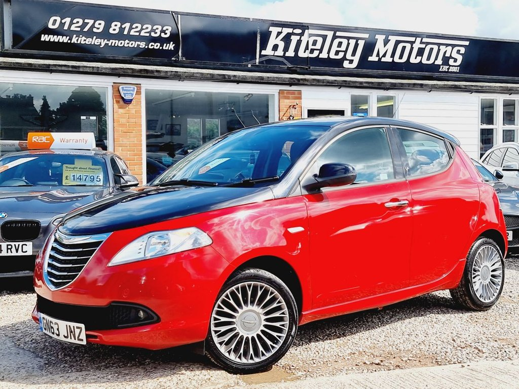 USED 2013 63 CHRYSLER YPSILON 1.2 BLACK AND RED 5d 69 BHP