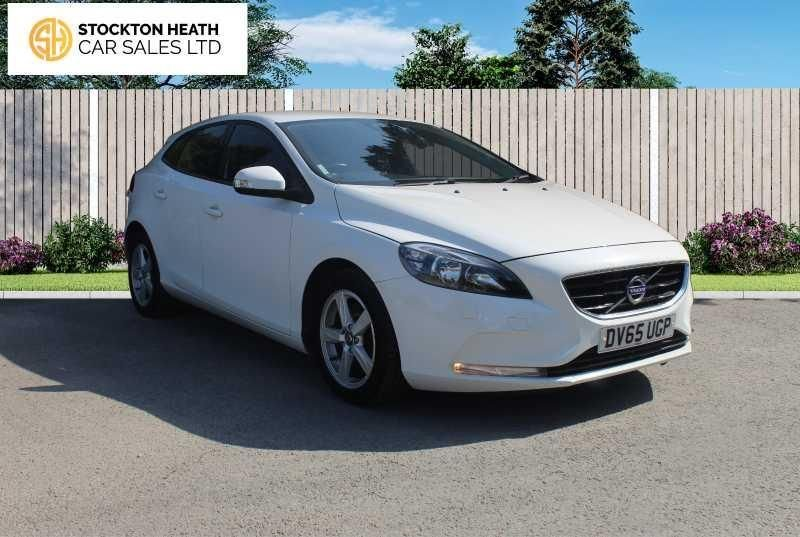 USED 2015 65 VOLVO V40 2.0 D2 ES 5d 118 BHP AVAILABLE TO TEST DRIVE
