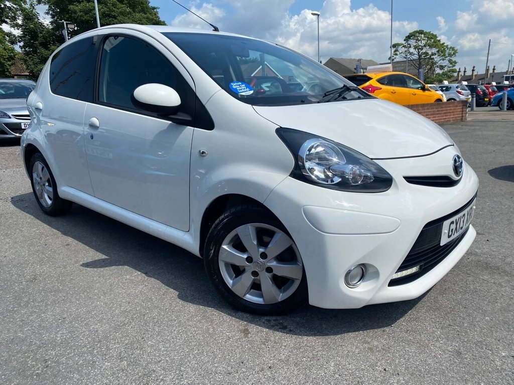 USED 2013 13 TOYOTA AYGO 1.0 VVT-I FIRE AC 5d 67 BHP FINISHED IN THE BEST COLOUR