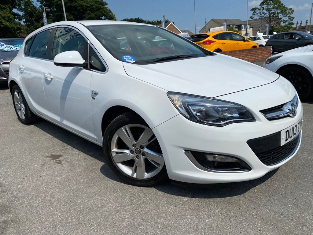 USED 2013 13 VAUXHALL ASTRA 1.6 SRI 5d 113 BHP SUPERB EXAMPLE IN THE BEST COLOUR
