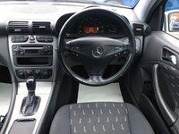 USED 2004 04 MERCEDES-BENZ C-CLASS 1.8 C200 KOMPRESSOR SE 3d AUTO 163 BHP