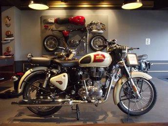 View our ROYAL ENFIELD CLASSIC SATIN 500