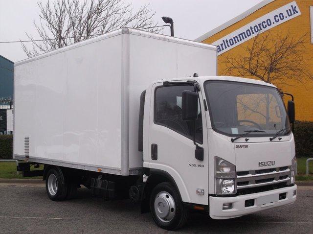 2014 14 ISUZU TRUCKS NKR 3.0 N35.150 Box van [ Low Mileage ] 14ft body DRW 3500Kgs