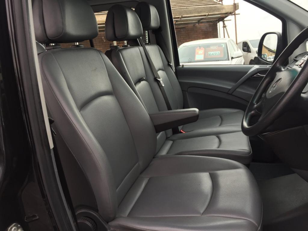100 mercedes vito interior review of the mercedes v for Cdi interior design