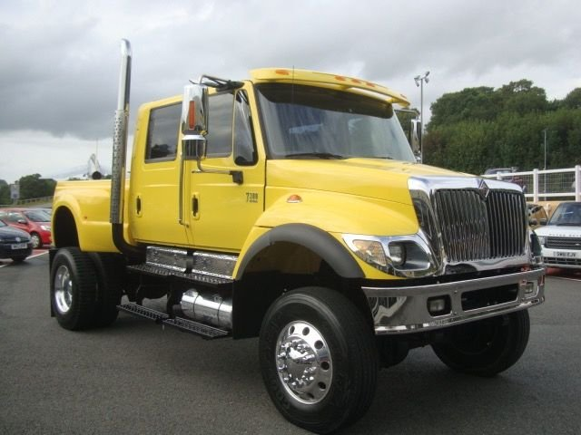 2005 HUMMER H1 INTERNATIONAL CXT AMERICAN PICK-UP 7.6 4dr