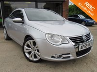 USED 2009 59 VOLKSWAGEN EOS CONVERTABLE 2.0 SPORT TDI DSG 2d AUTO 138 BHP CONVERTIBLE, TWO OWNERS, PANORAMIC ROOF, ALLOYS, AIR CON, SPARE KEY, FULL SERVICE HISTORY 8 SERVICE STAMPS, PARKING SENSORS