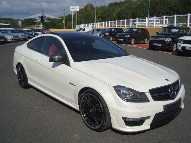2012 62 MERCEDES-BENZ C CLASS 6.2 C63 AMG PERFORMANCE PACK 2d AUTO 457 BHP