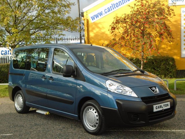 2011 61 PEUGEOT EXPERT TEPEE 1.6 HDI Comfort T/SLD Low mileage Wheelchair ~ Lowered Floor~Free UK Delivery