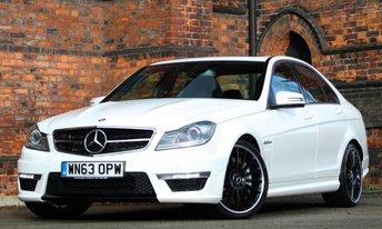 2013 MERCEDES-BENZ C CLASS 6.2 C63 AMG 4d AUTO 457 BHP £32475.00